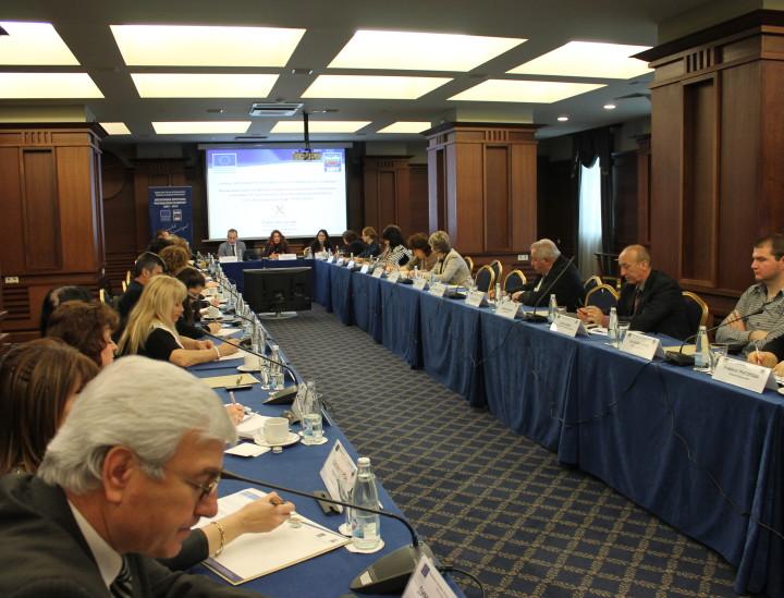 """Работна среща във връзка с обсъждане на възможностите за финансиране на държавни и общински училища от национално и регионално значение по ОП """"Региони в растеж"""" 2014-2020"""