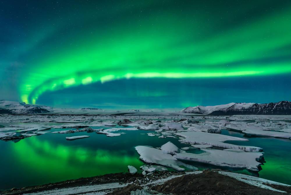Auroral_display_Jokulsarlon_Iceland_218878